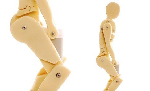 2 manikins depicting manual handing postures